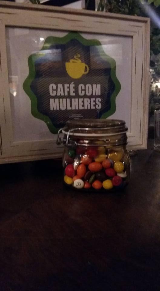 café com mulheres outubro